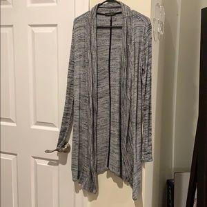 🍁🍂 3 for $25 Cozy gray cardigan 🍂🍁